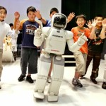 Now Japanese childrens will learn English from robots