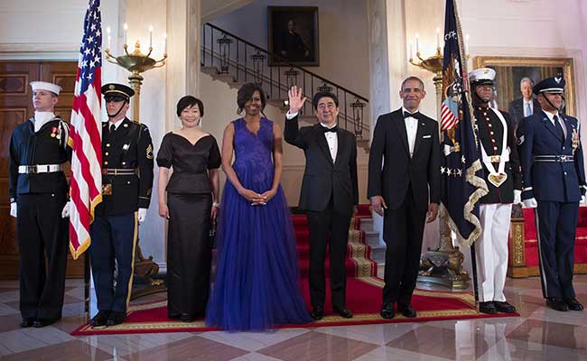 US President Barack Obama and Japanese Prime Minister Shinzo Abe in the group photo of the White House