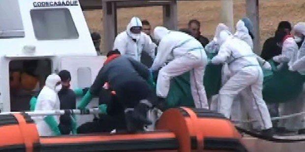 Migrant boat sinks off Libyan coast, kills at least seven