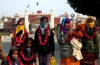 More than 100 Hindu families who migrated to India returned to Pakistan.