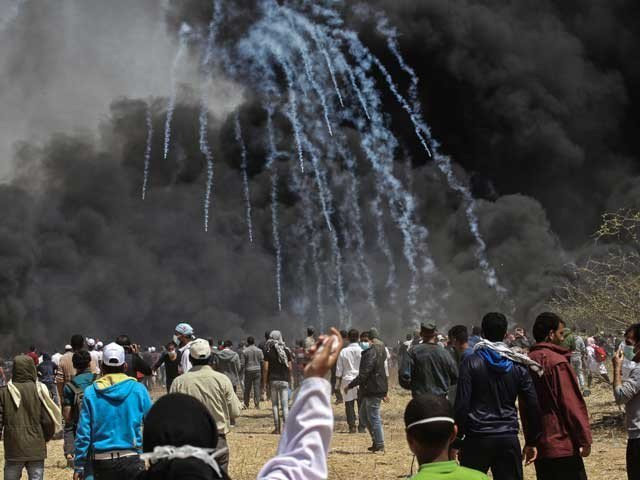 Zionist forces in a firing and tear gas accident, more than 500 Palestinians were wounded