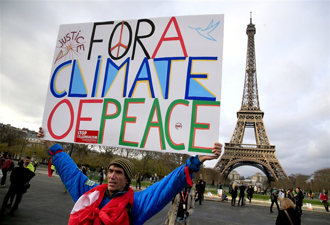 The United States announces its rejoining of the Paris Agreement in 2015