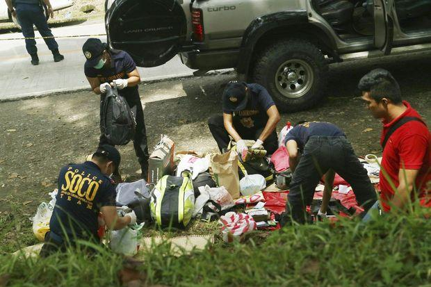 The police involved in drug trafficking in the Philippines mayor was killed along with his 9 bodyguards
