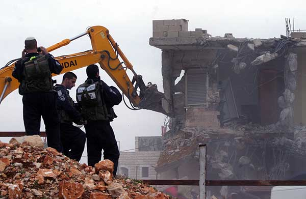 20 thousand new homes in occupied East Jerusalem Palestinians to Israeli demolition