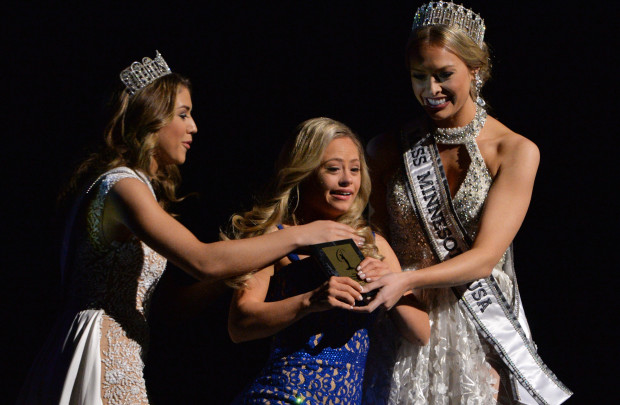 Miss Minnesota USA Mikayla Holmgren